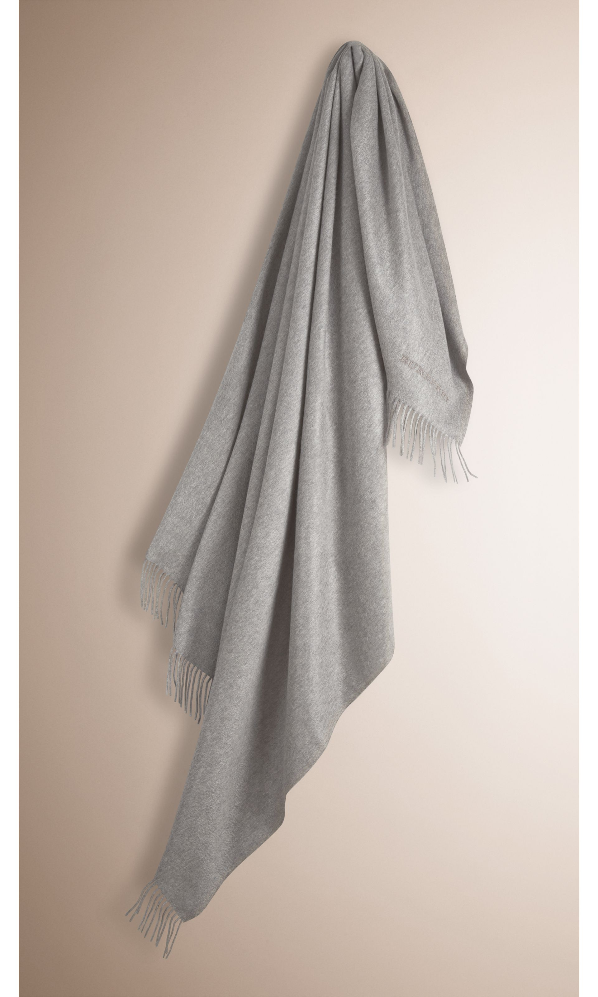 Cashmere Blanket in Mid Grey - Women | Burberry - gallery image 0