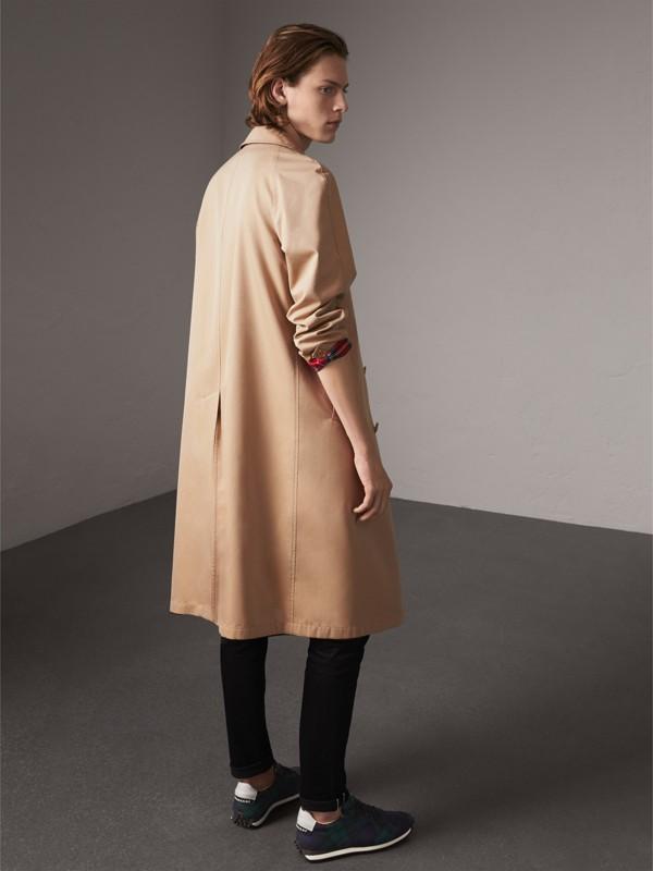 Car coat dupla face de gabardine de algodão e lã em xadrez tartan (Mel/vermelho) - Homens | Burberry - cell image 2