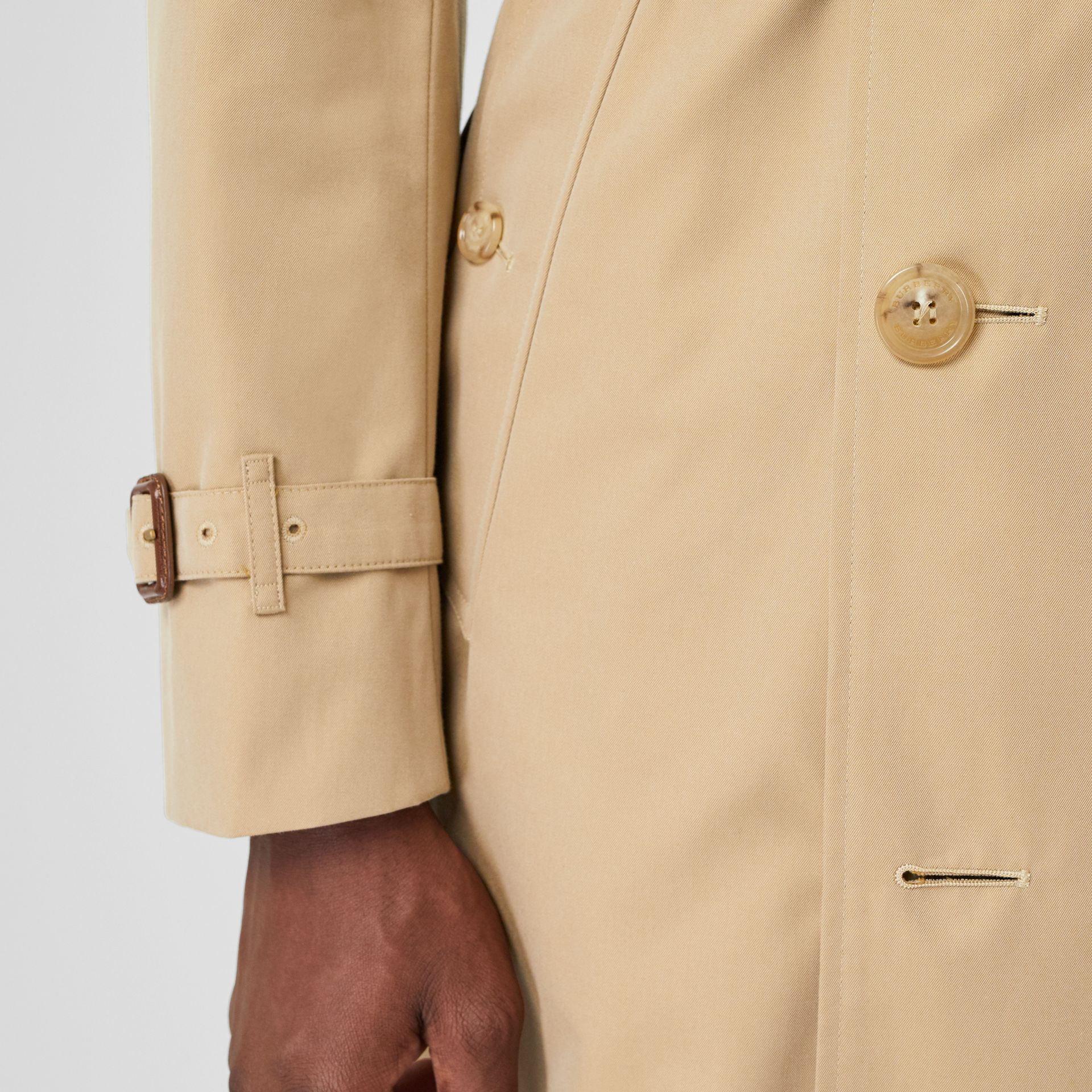 Trench Heritage The Chelsea (Miel) - Homme | Burberry Canada - photo de la galerie 4