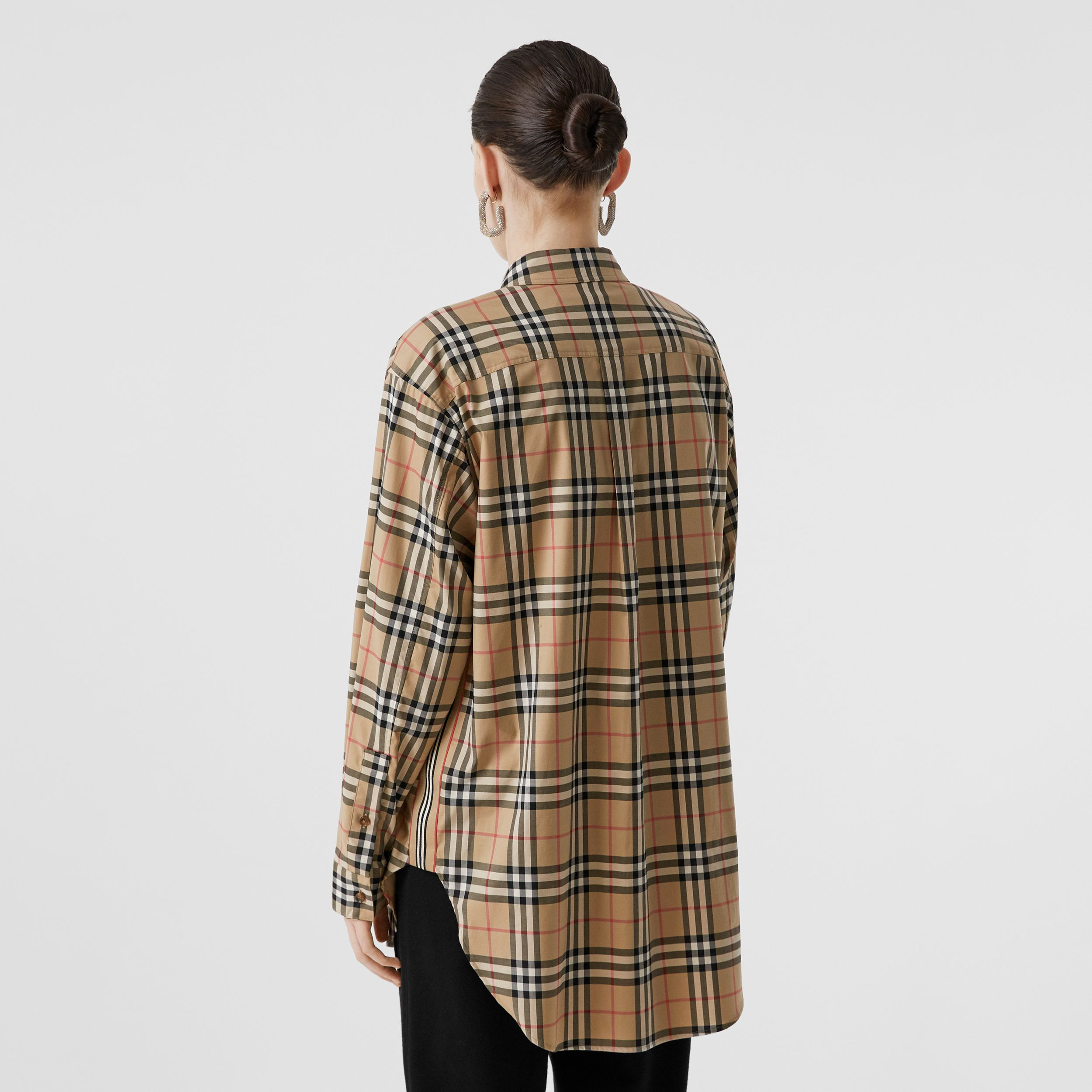 Vintage Check Stretch Cotton Oversized Shirt in Archive Beige - Women | Burberry United Kingdom - 3