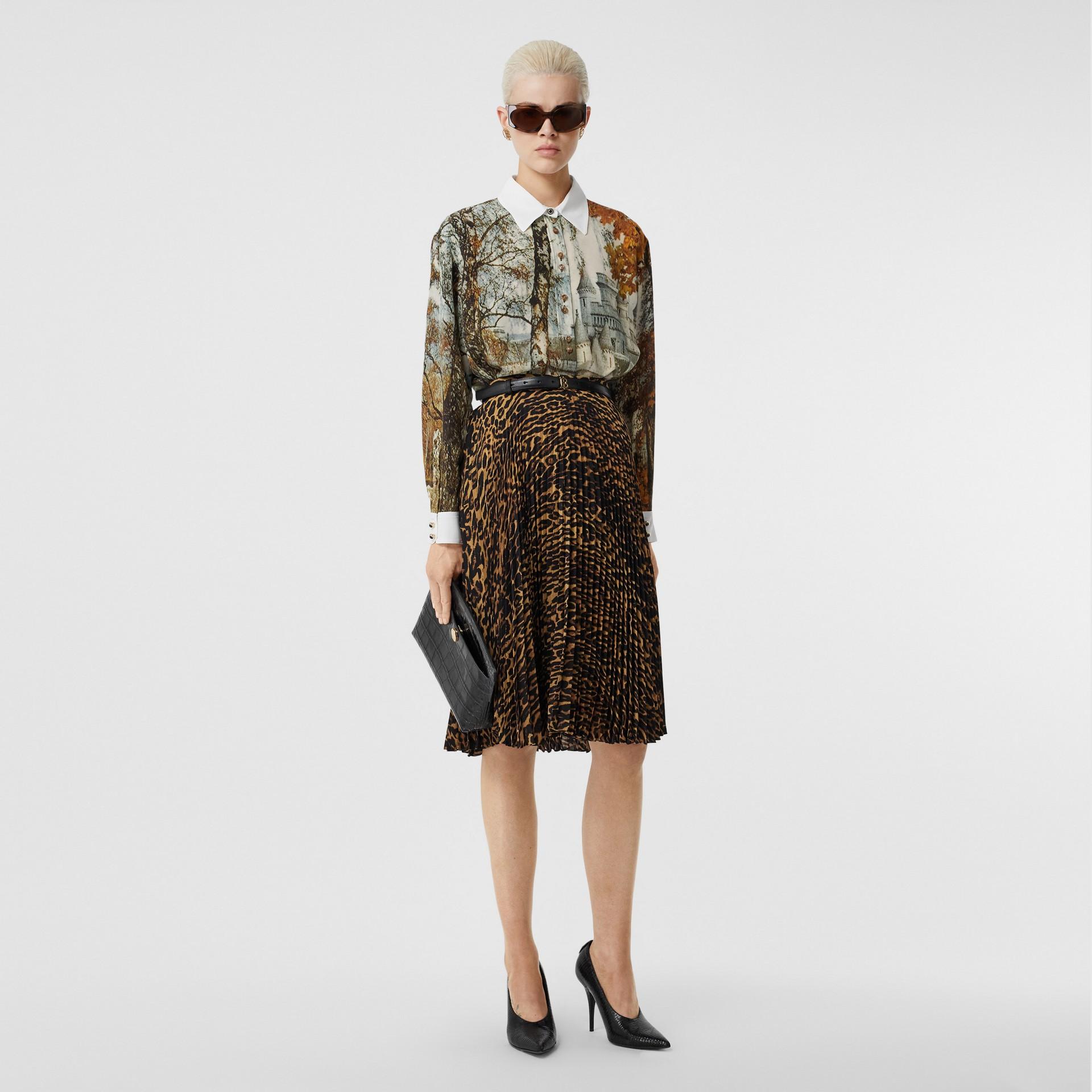 Camicia in seta con stampa castello (Crema Pallido) - Donna | Burberry - immagine della galleria 4