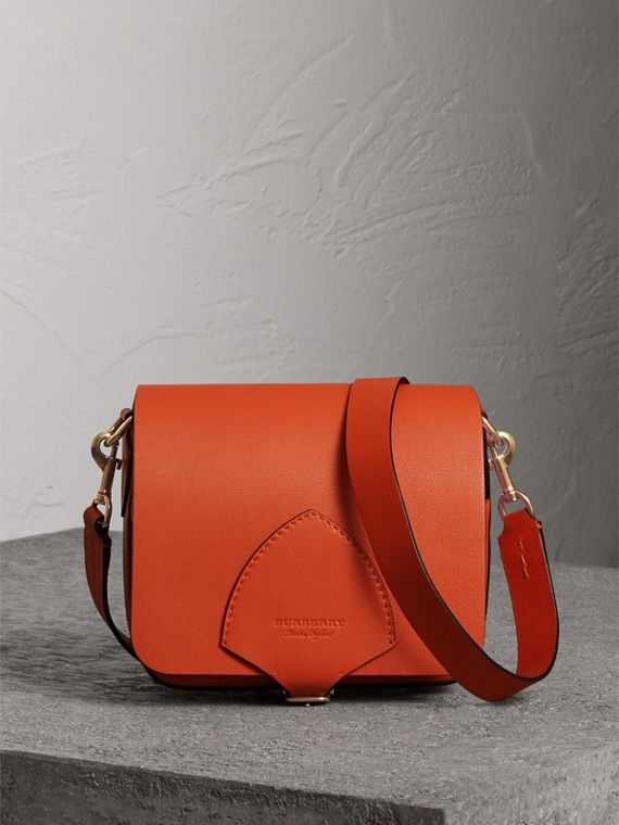 The Square Satchel aus Leder (Clementinenfarben)