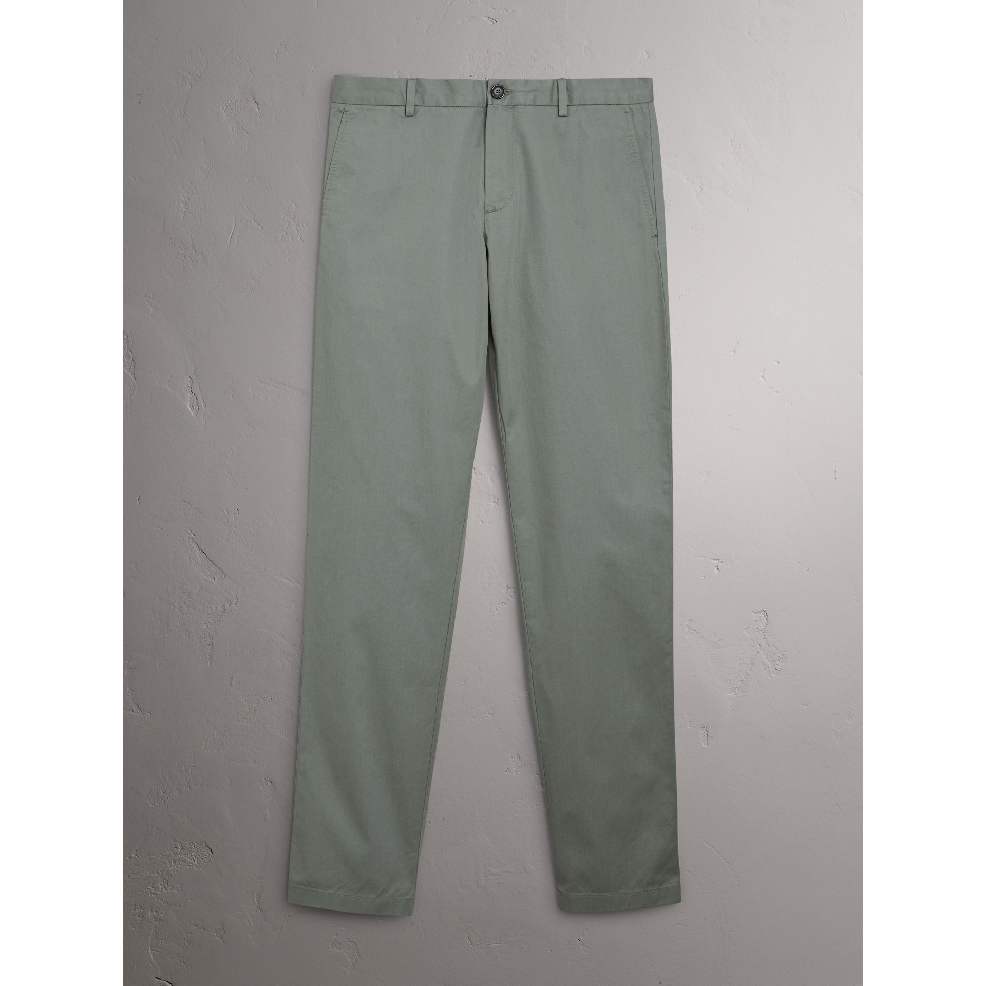 Pantalon chino slim en coton (Gris Bleu) - Homme | Burberry - photo de la galerie 3