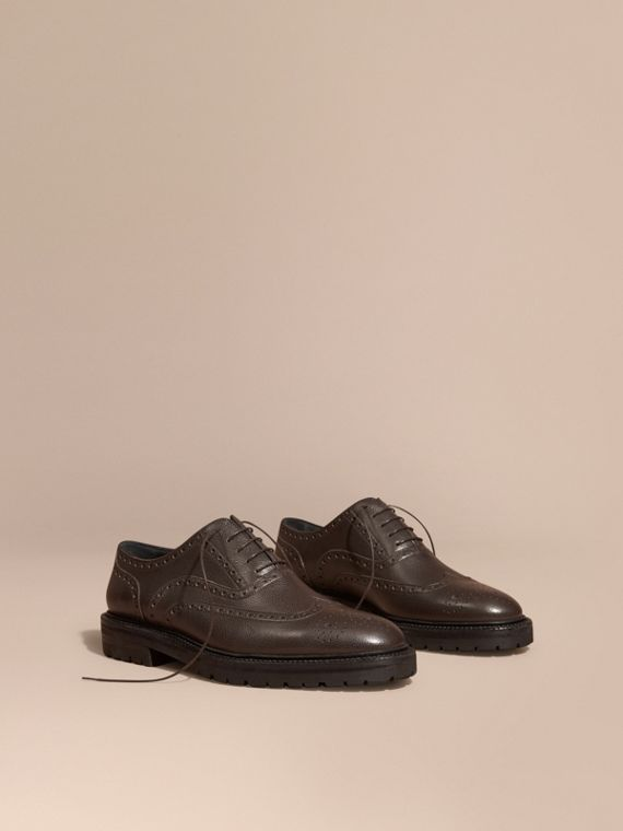 Grainy Leather Wingtip Brogue with Rubber Sole Bitter Chocolate