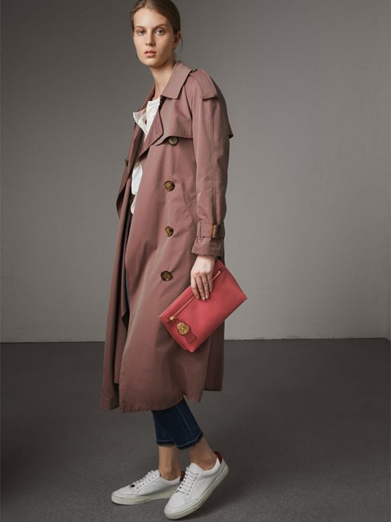 Two-tone Trench Leather Wristlet Pouch in Blossom Pink/antique Red - Women | Burberry United States - cell image 3