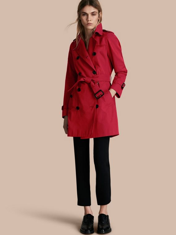 Trench coat Kensington - Trench coat Heritage de longitud media Rojo Desfile
