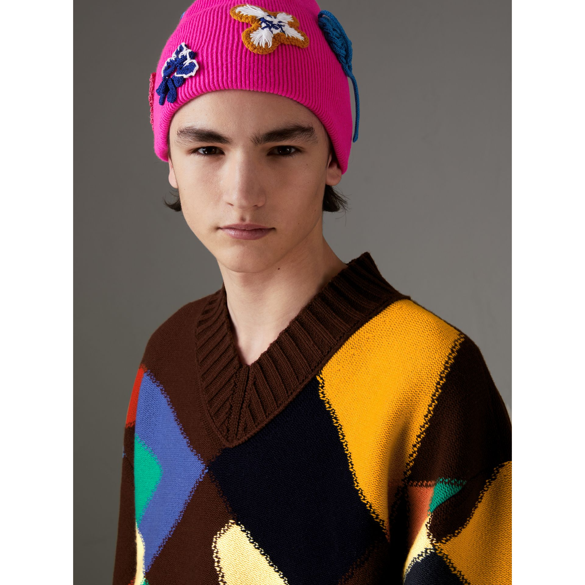 Floral Crochet Cashmere Beanie in Fuchsia Pink - Women | Burberry United Kingdom - gallery image 3