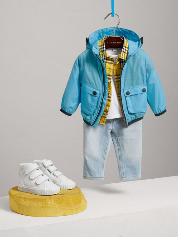 Showerproof Hooded Jacket in Bright Turquoise | Burberry Singapore - cell image 2