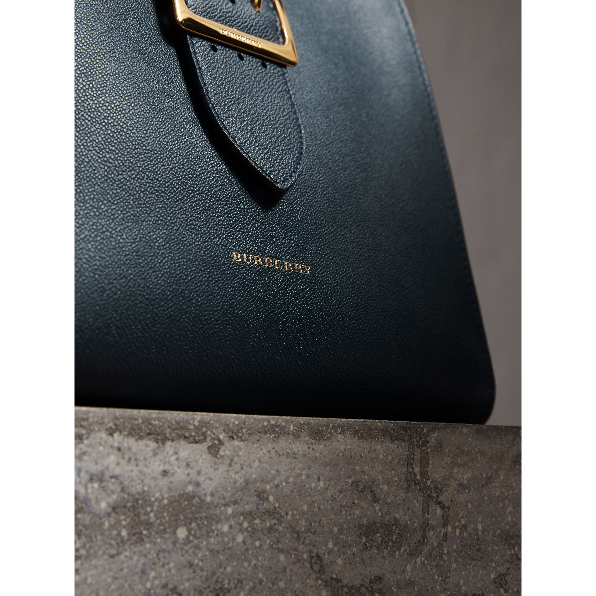 The Medium Buckle Tote in Grainy Leather in Blue Carbon - Women | Burberry - gallery image 2
