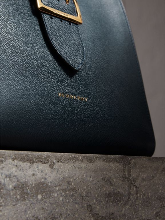 The Medium Buckle Tote in Grainy Leather in Blue Carbon - Women | Burberry United Kingdom - cell image 1