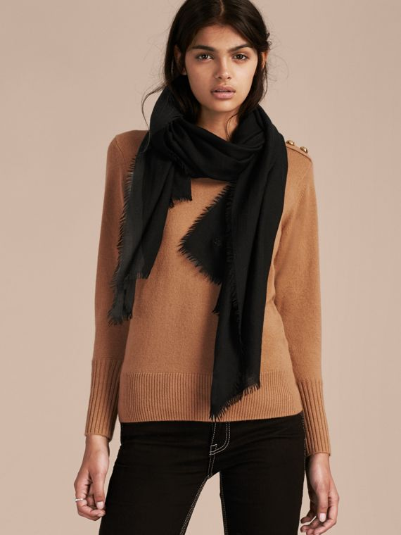 The Lightweight Cashmere Scarf in Black - cell image 2