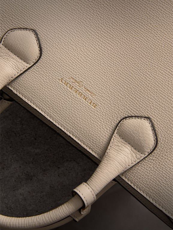 The Medium Banner in Leather with Fringed Pocket in Limestone - Women | Burberry United Kingdom - cell image 1