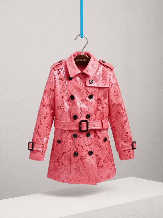 Trench coat in pizzo laminato (Rosa Intenso)