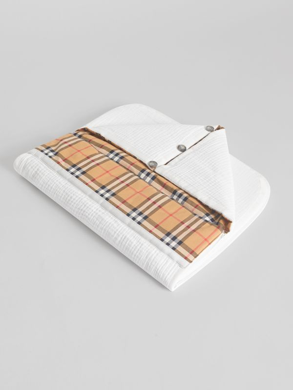 Vintage Check Cotton Baby Nest in White - Children | Burberry - cell image 2
