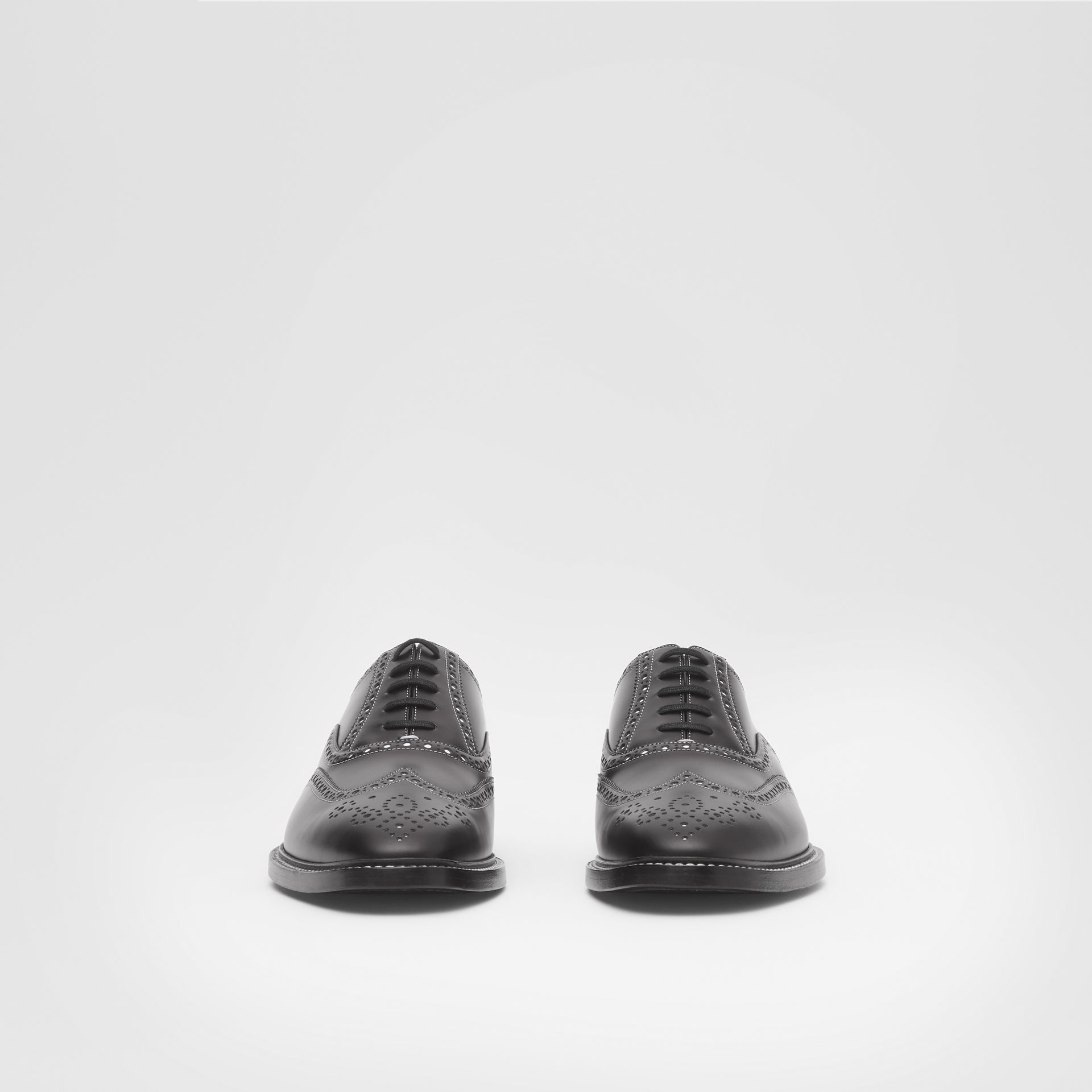 D-ring Detail Two-tone Leather Oxford Brogues in Black/white - Men | Burberry United Kingdom - gallery image 2