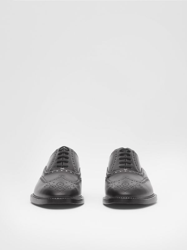 D-ring Detail Two-tone Leather Oxford Brogues in Black/white - Men | Burberry United Kingdom - cell image 2