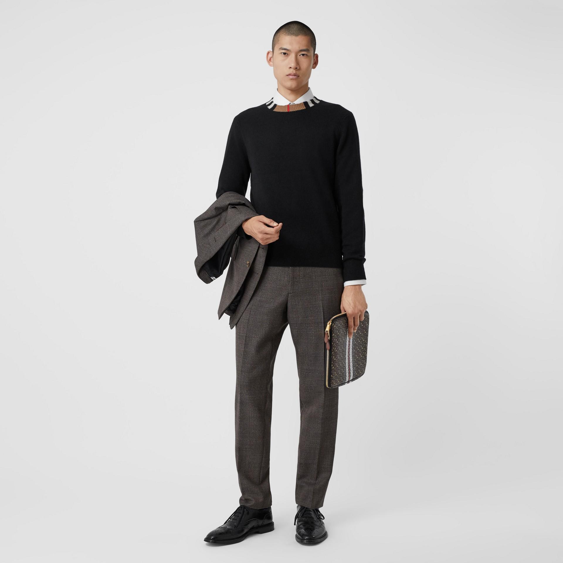 Jersey en cachemir con detalle a rayas Icon Stripe (Negro) - Hombre | Burberry - imagen de la galería 5