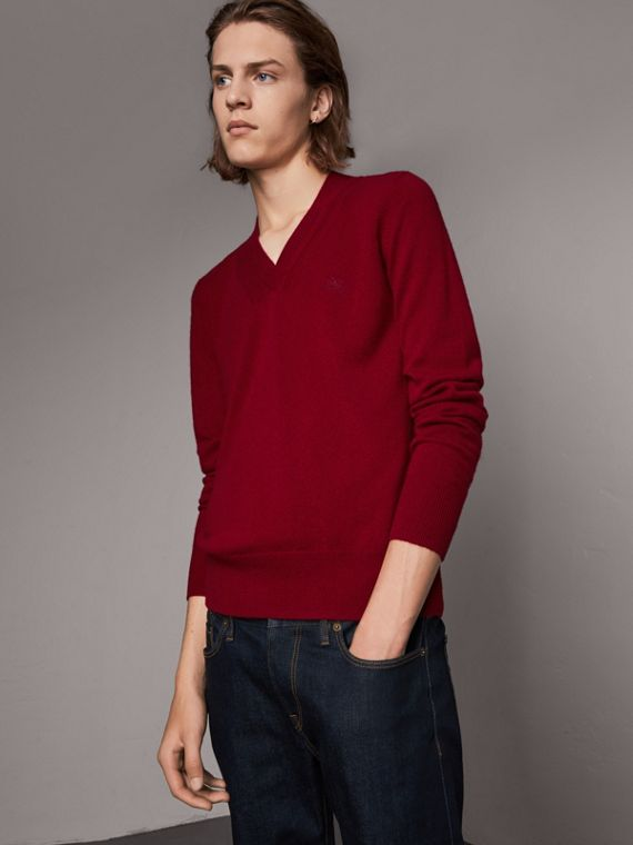 Cashmere V-neck Sweater in Crimson Red
