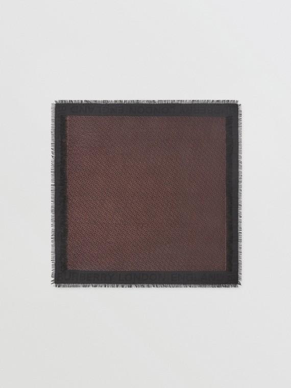 Pañuelo cuadrado grande en mezcla de seda con monogramas metalizados (Negro)
