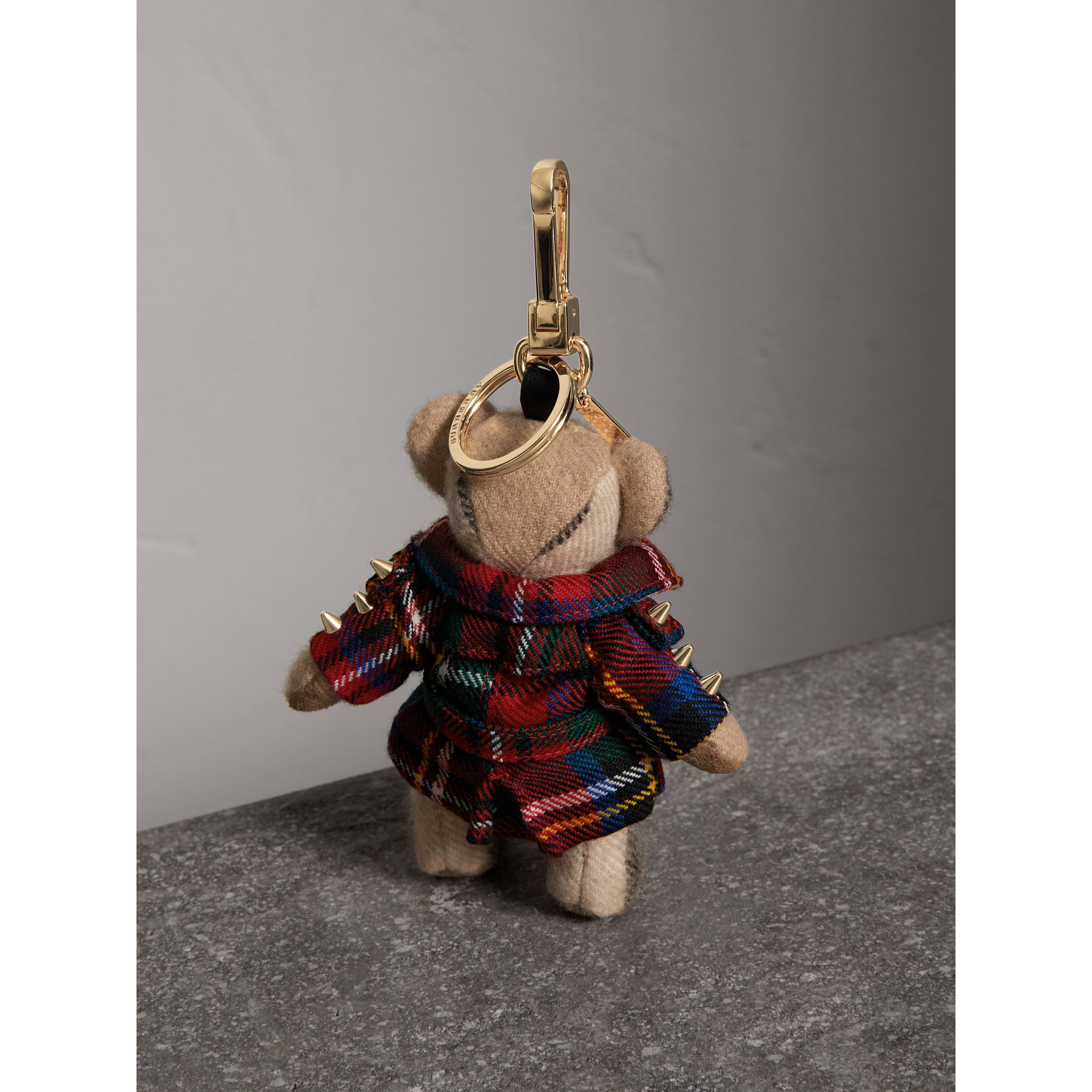 Bijou porte-clés Thomas Bear avec trench-coat en laine tartan (Rouge Parade) | Burberry - photo de la galerie 3