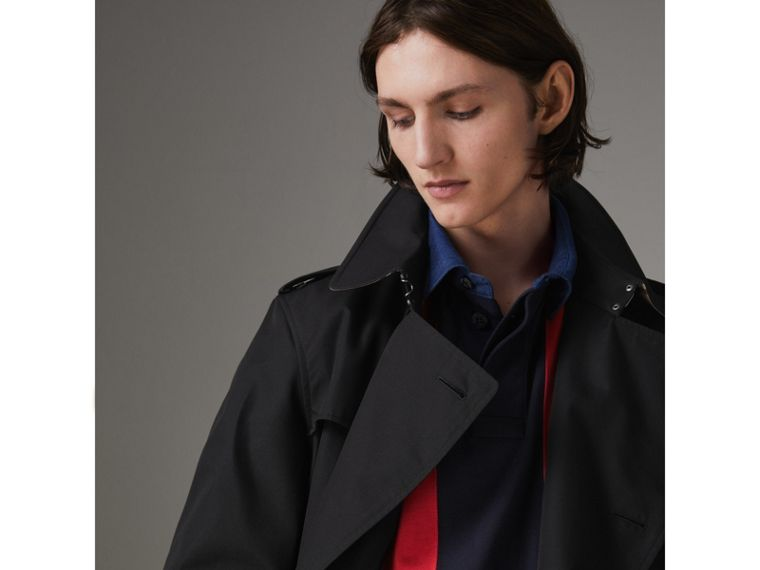 The Long Chelsea Heritage Trench Coat in Black - Men | Burberry - cell image 4