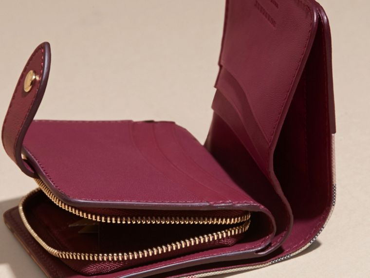 Dark plum Horseferry Check and Leather Wallet Dark Plum - cell image 4