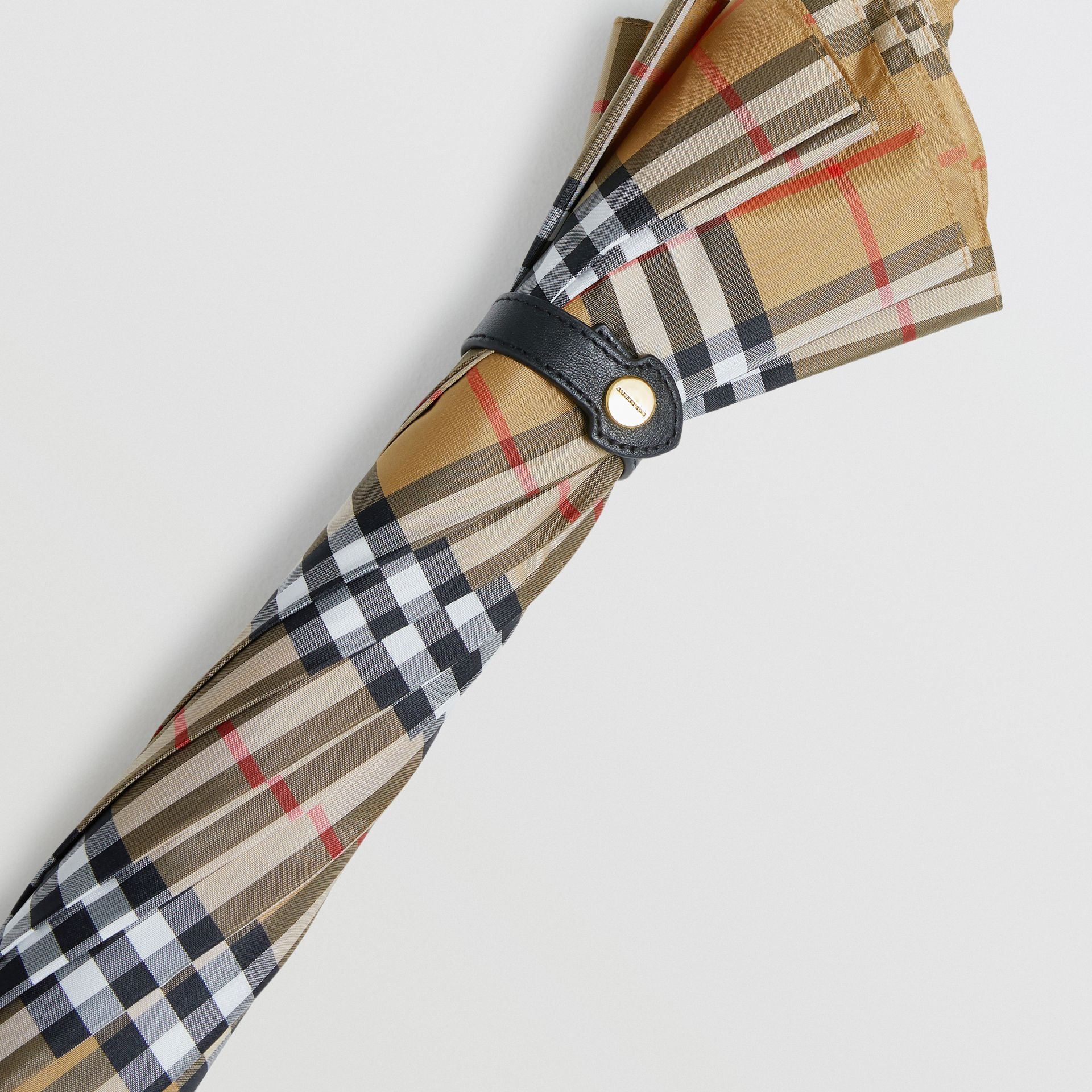 Vintage Check Walking Umbrella in Antique Yellow/black | Burberry Canada - gallery image 1