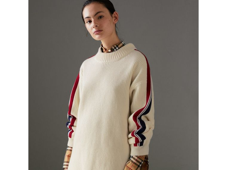 Stripe Detail Wool Cashmere Oversized Sweater in Natural White - Women | Burberry - cell image 4