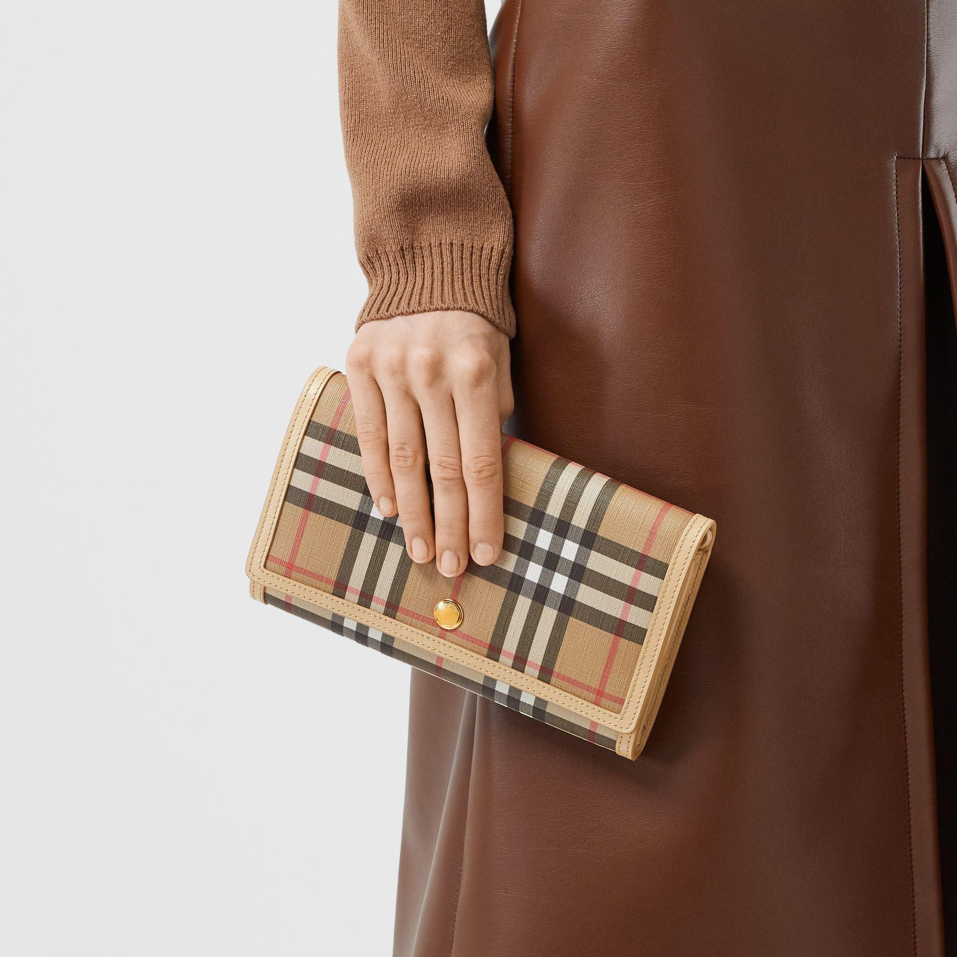 Vintage Check E-canvas Wallet with Detachable Strap in Beige - Women | Burberry - gallery image 2