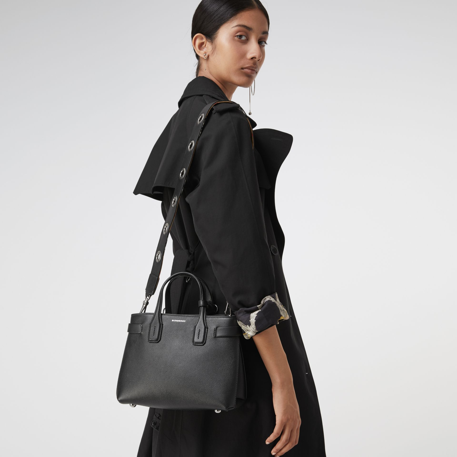 The Small Banner in Grainy Leather in Black - Women | Burberry United Kingdom - gallery image 3