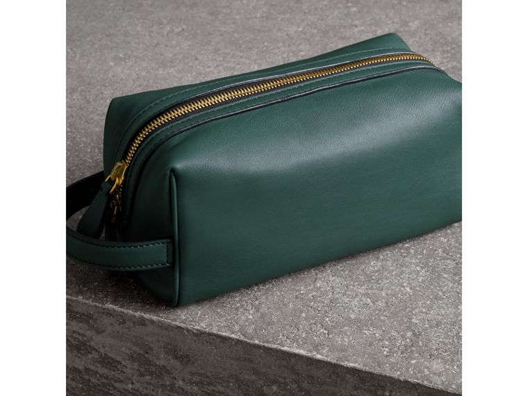 Graffiti Print Leather Pouch in Deep Bottle Green | Burberry - cell image 4