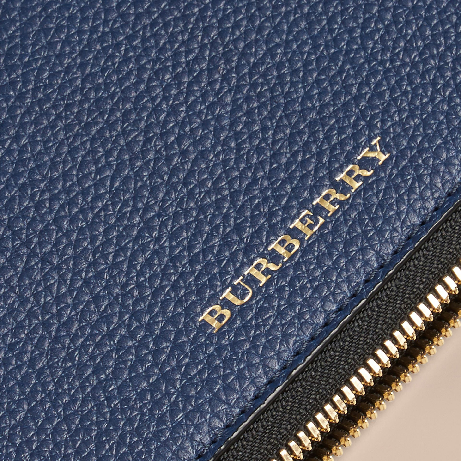 Bright navy Grainy Leather Tie Case Bright Navy - gallery image 2
