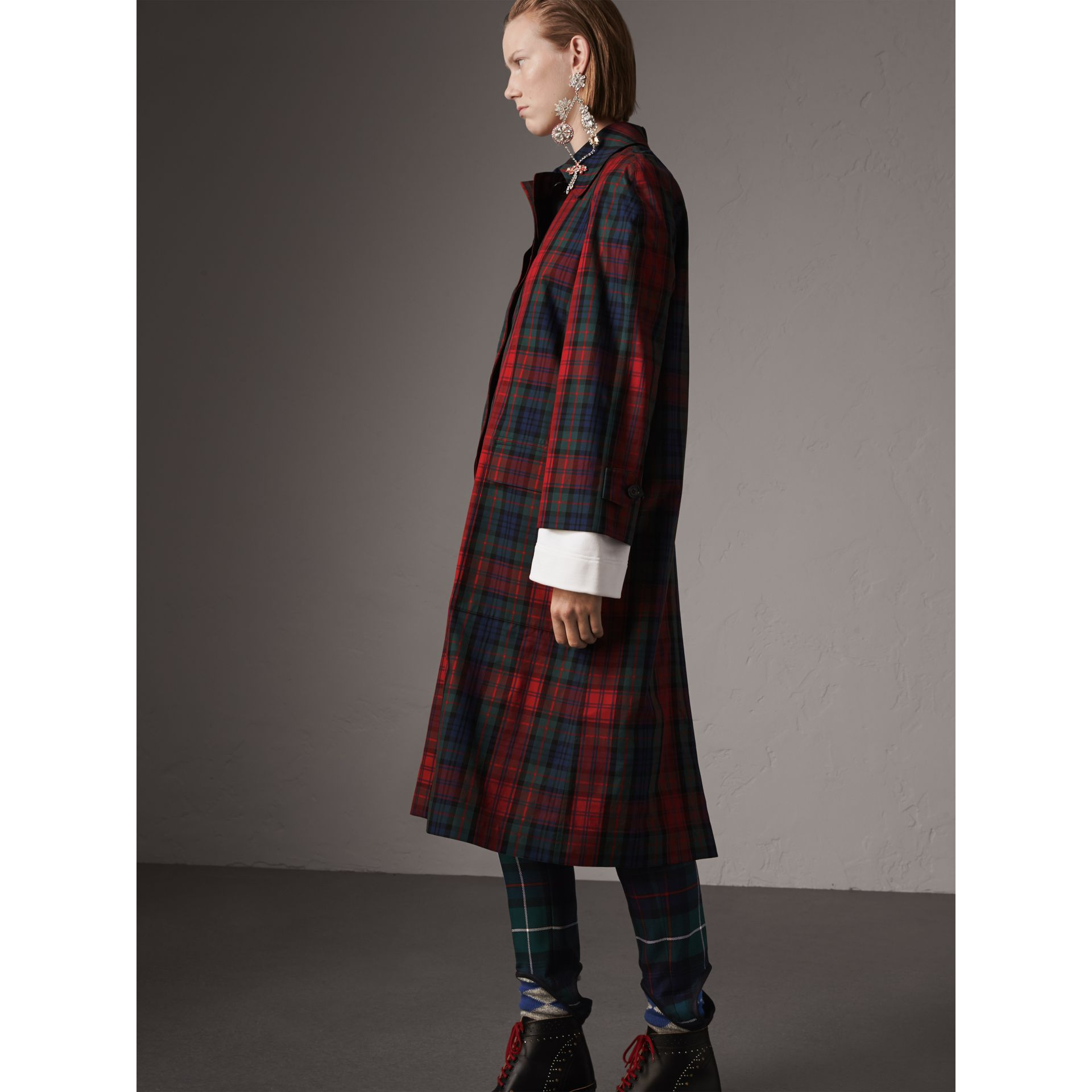 Tartan Cotton Gabardine Car Coat in Bright Red - Women | Burberry Canada - gallery image 4
