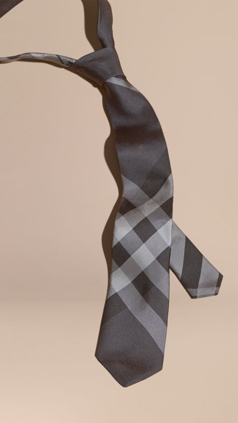 Anthracite sombre Cravate moderne en soie à motif Beat check - Image 1