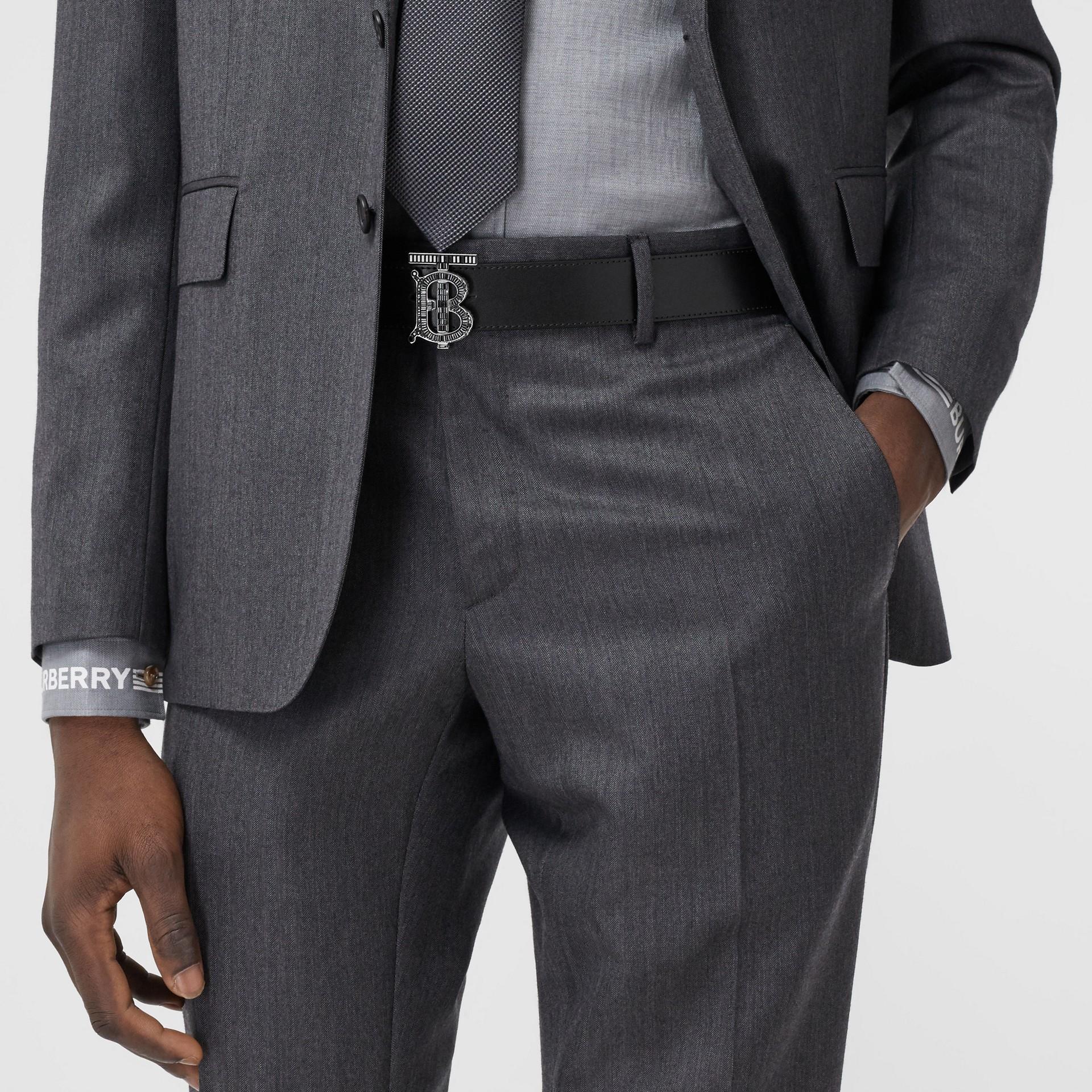 Cinturón en piel con monograma y cristales (Negro) - Hombre | Burberry - imagen de la galería 2