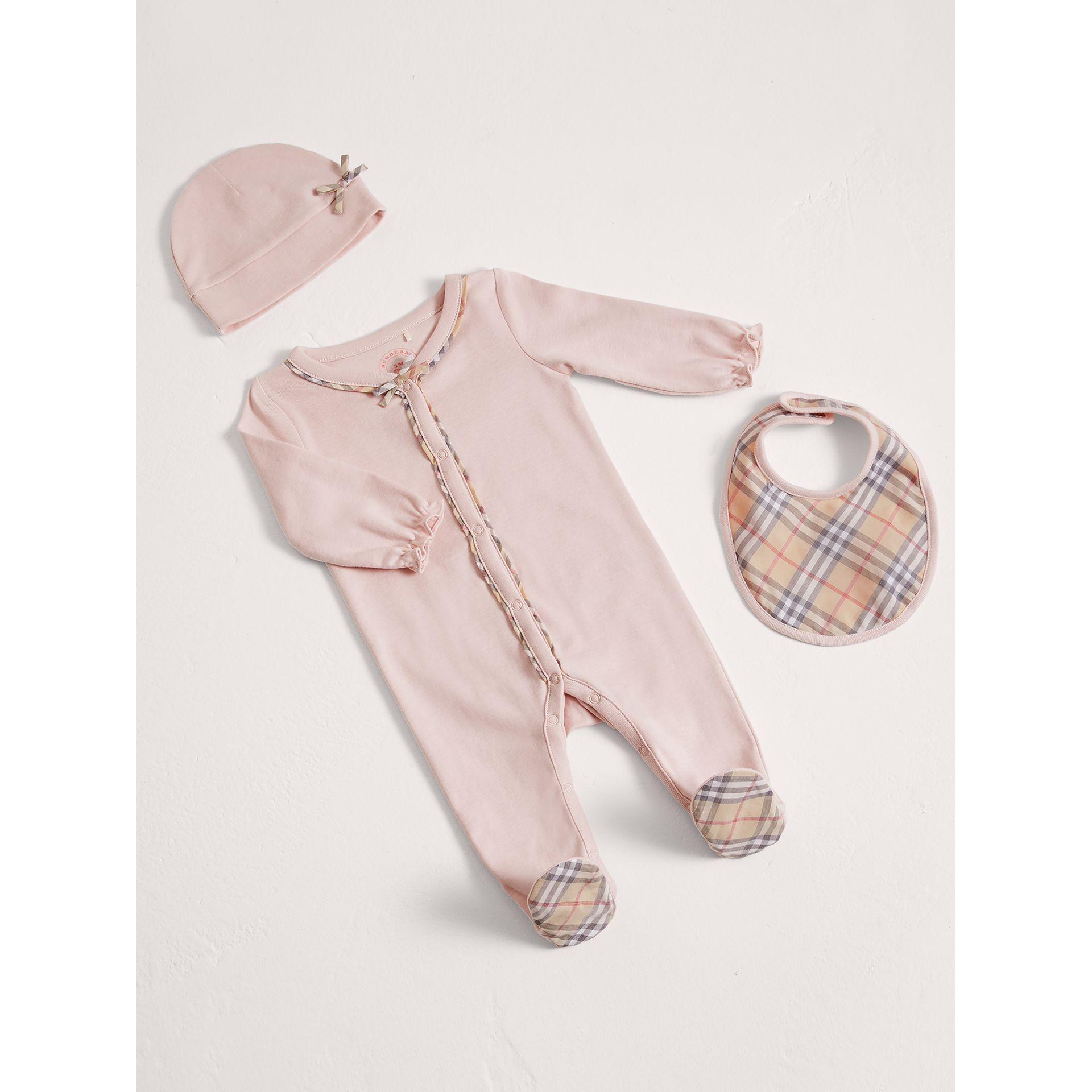 Check Cotton Three-piece Baby Gift Set in Powder Pink | Burberry - gallery image 0