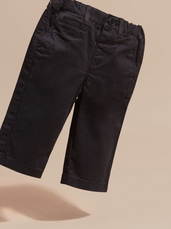 Navy Chino in twill di cotone stretch - cell image 2