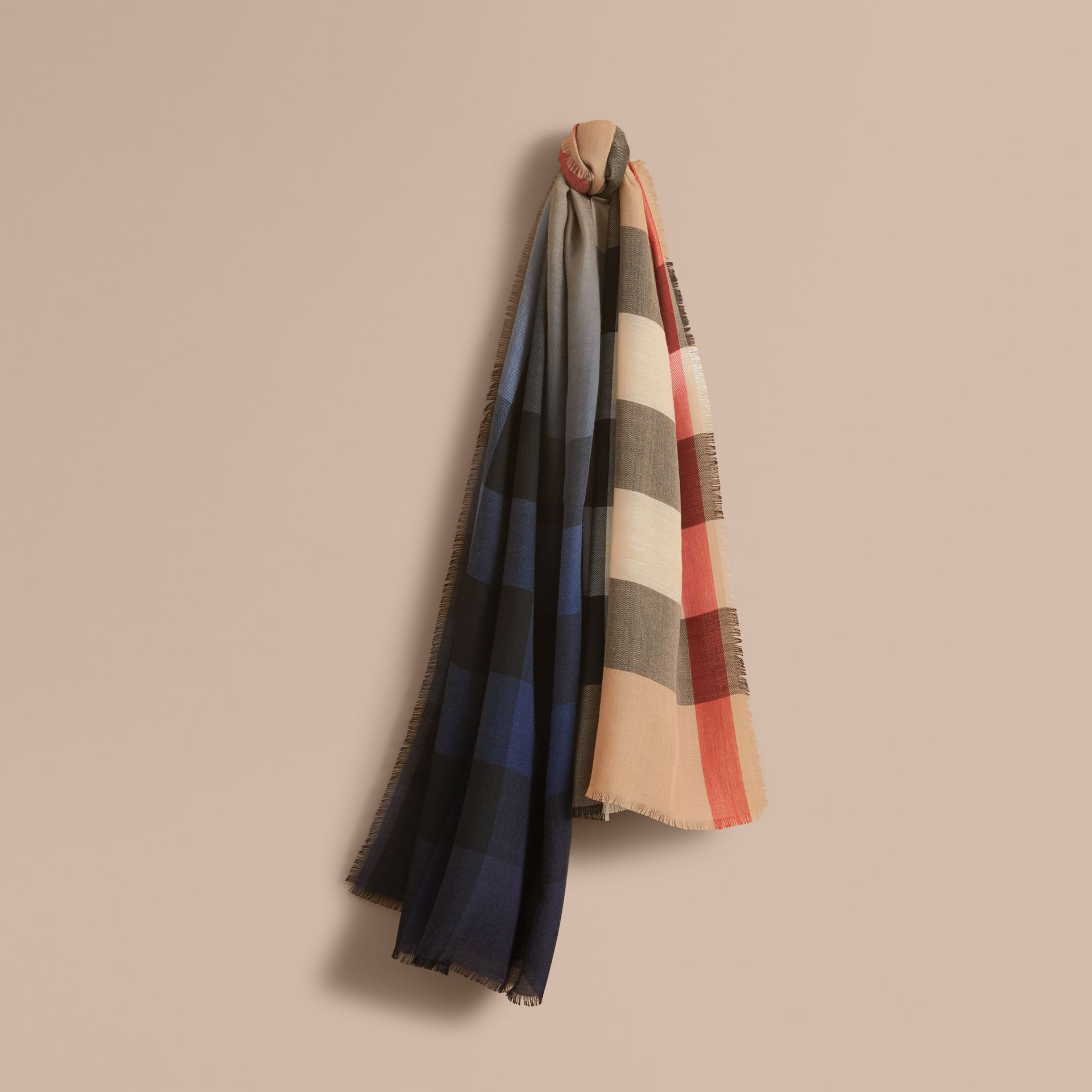 The Lightweight Cashmere Scarf in Ombré Check in Camel/navy | Burberry - gallery image 6