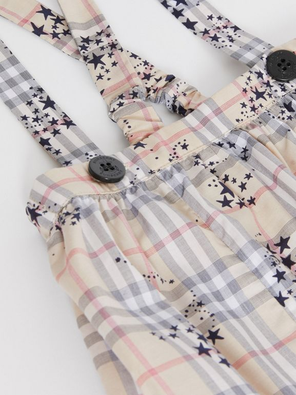 Star Print Check Cotton Two-piece Baby Gift Set in Bright Navy - Children | Burberry - cell image 1