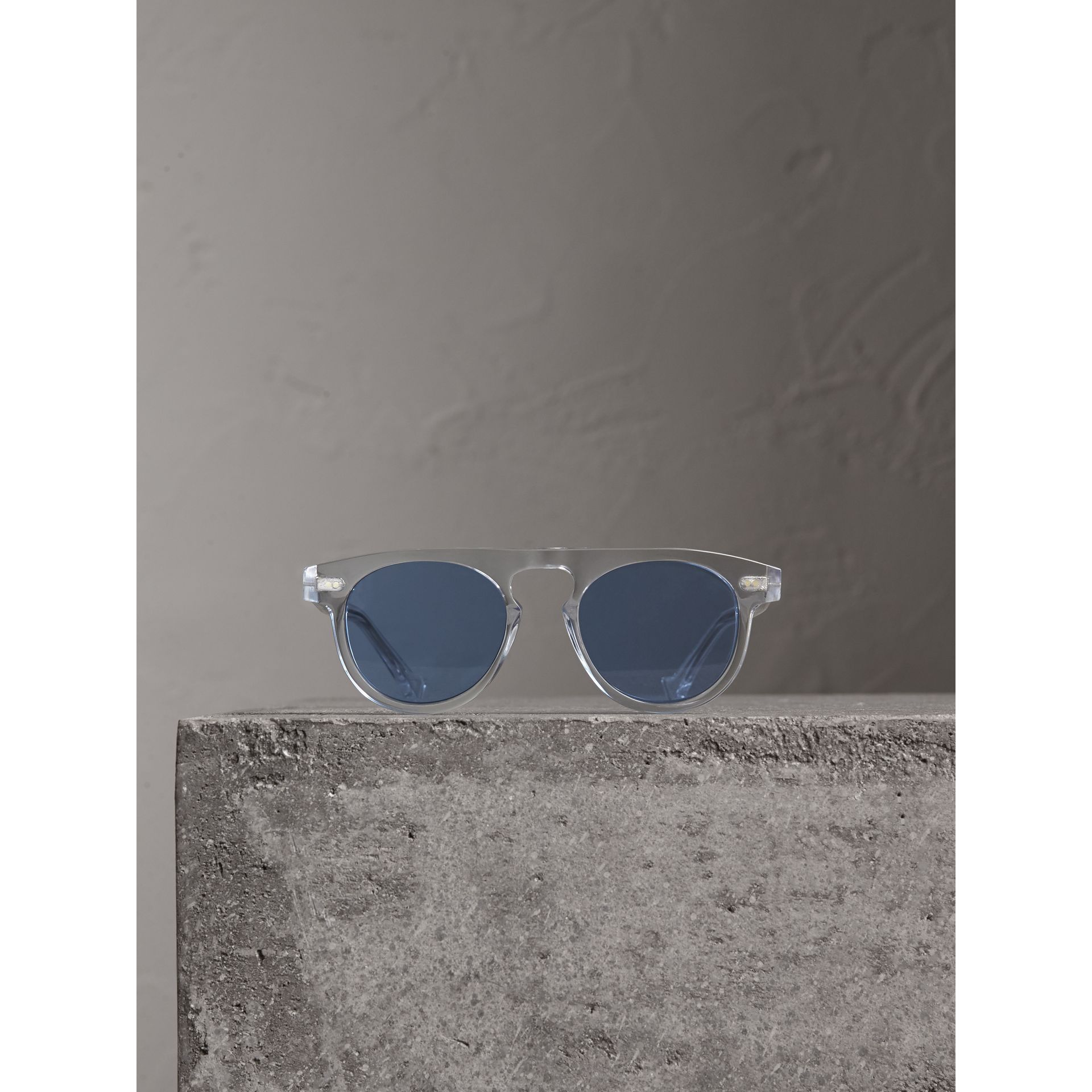 The Keyhole Round Frame Sunglasses in Crystal/blue | Burberry Canada - gallery image 3