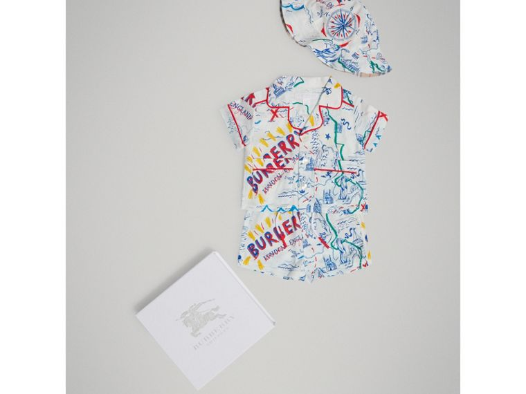Adventure Print Linen Three-piece Baby Gift Set in Sand | Burberry - cell image 1