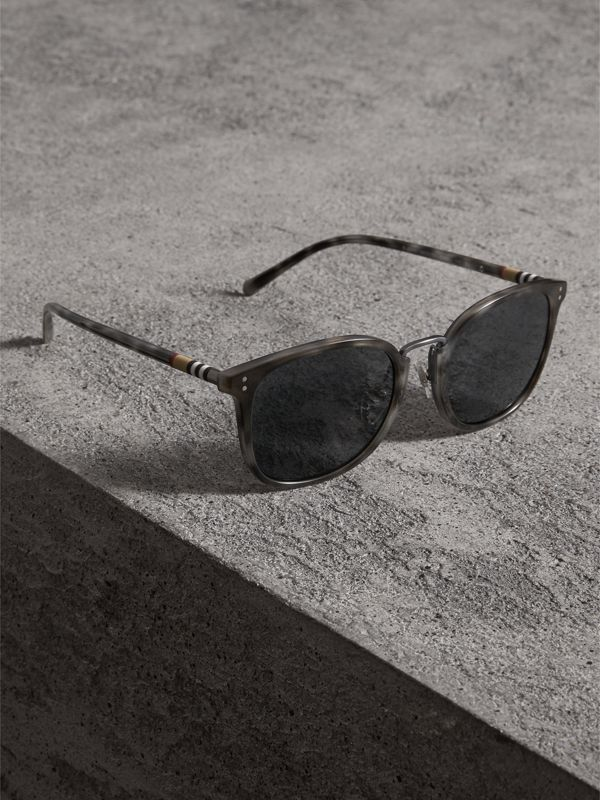 Square Frame Acetate Sunglasses in Grey - Men | Burberry - cell image 3