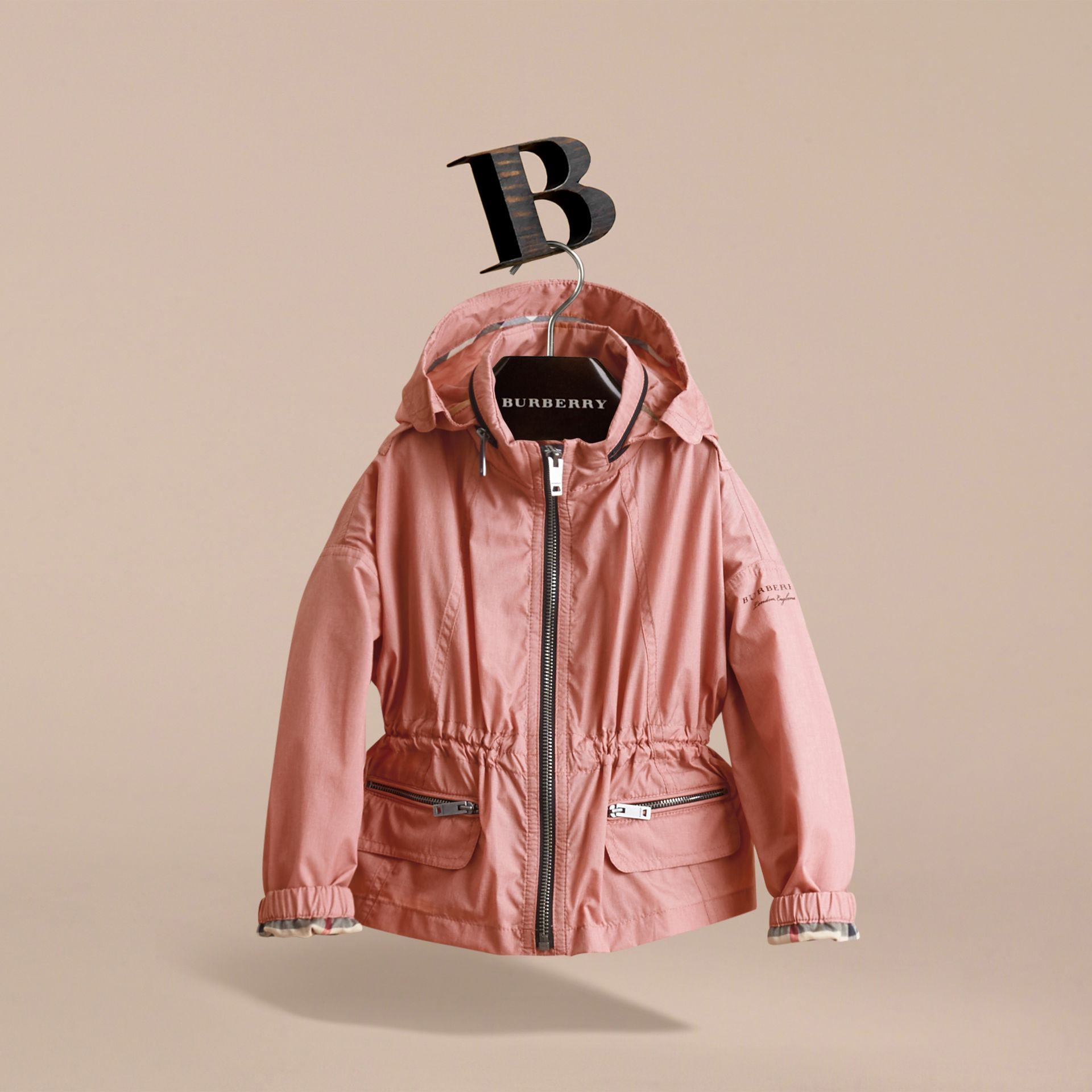 Veste imperméable avec détails check et capuche repliable (Rose Pink) - Fille | Burberry - photo de la galerie 3