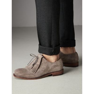 Lace-up Kiltie Fringe Suede Loafers - Grey Burberry 9r9xjO