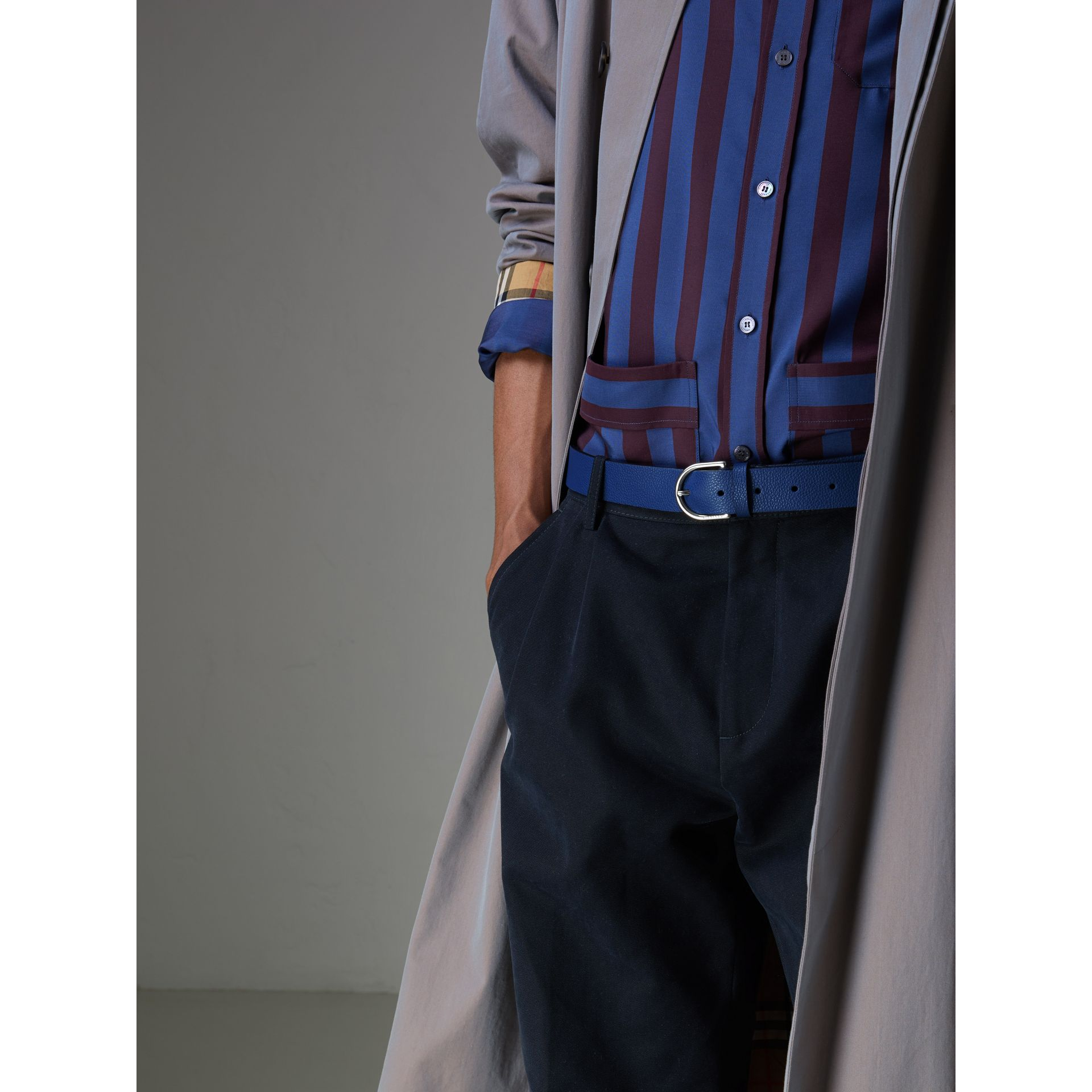D-shaped Buckle Grainy Leather Belt in Bright Ultramarine - Men | Burberry Canada - gallery image 2