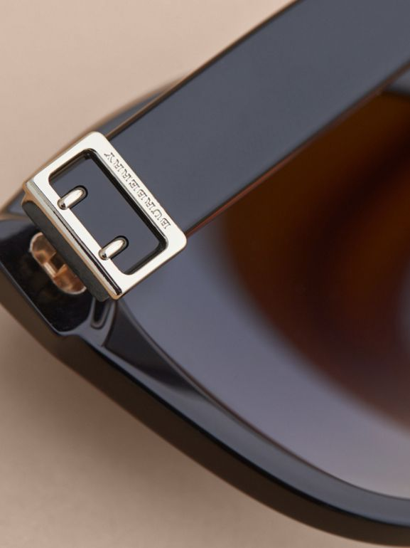 Buckle Detail Cat-eye Frame Sunglasses in Black - Women | Burberry Hong Kong - cell image 1