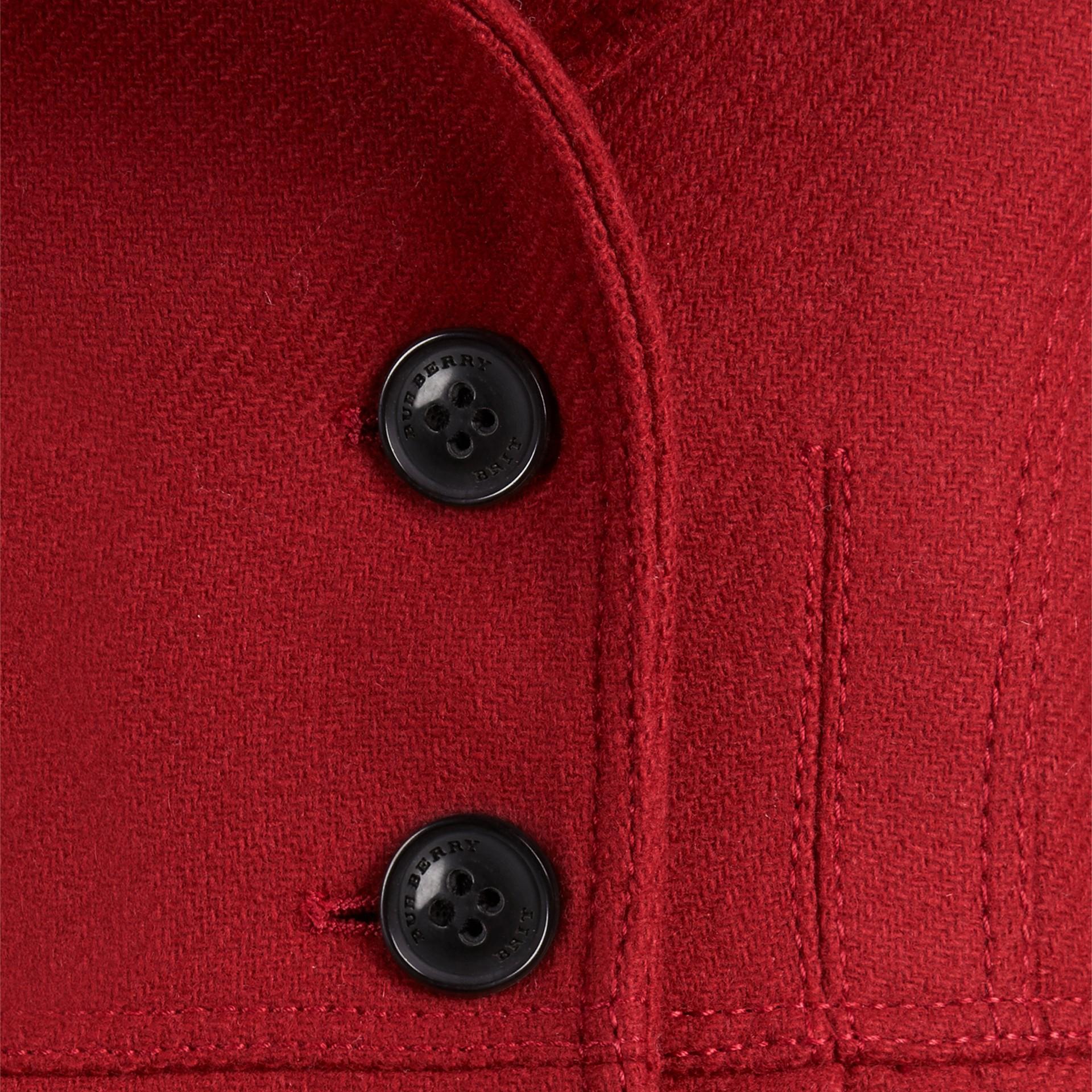 Rouge prune Manteau militaire ajusté en laine et cachemire mélangés - photo de la galerie 2