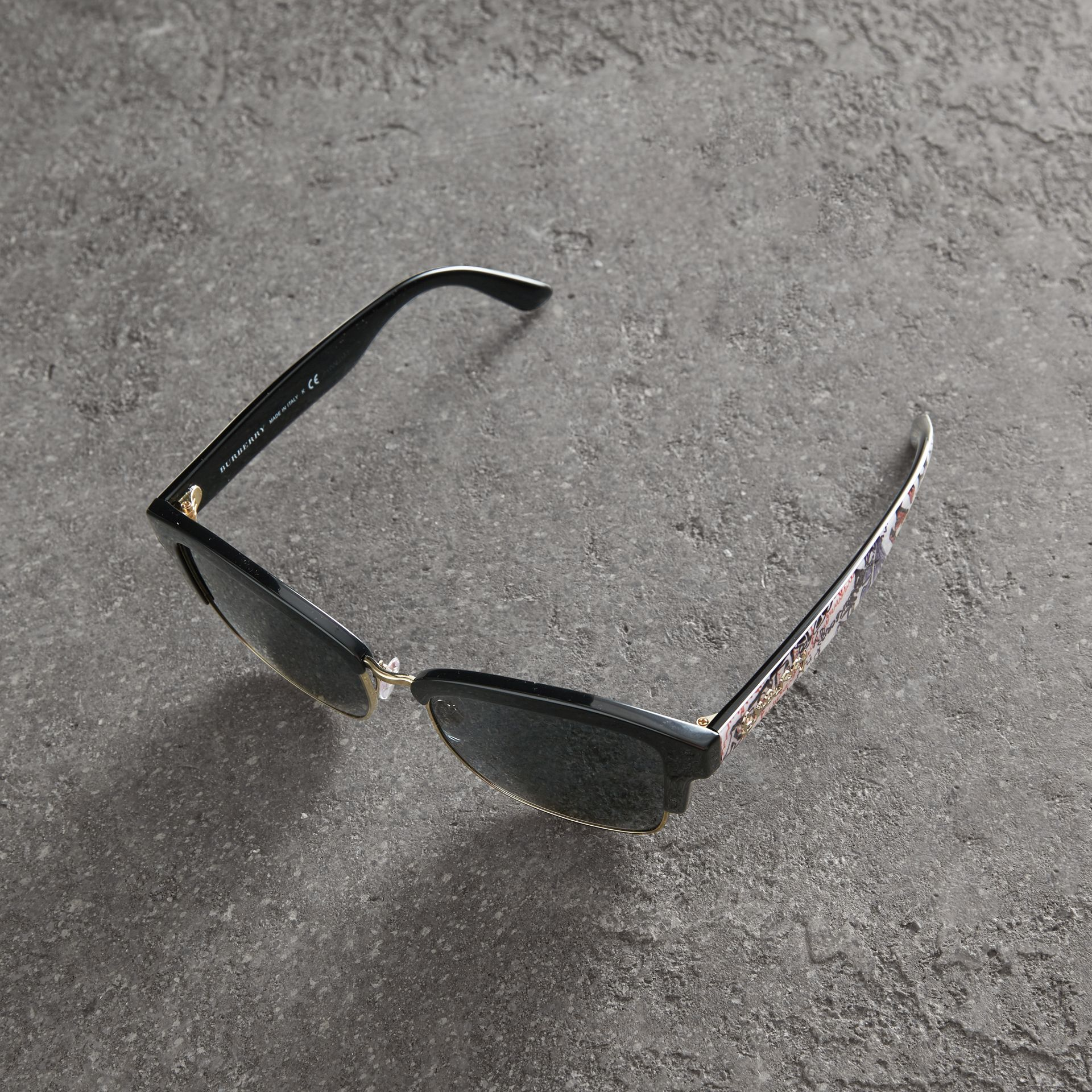 Doodle Square Frame Sunglasses in Black - Women | Burberry United Kingdom - gallery image 3
