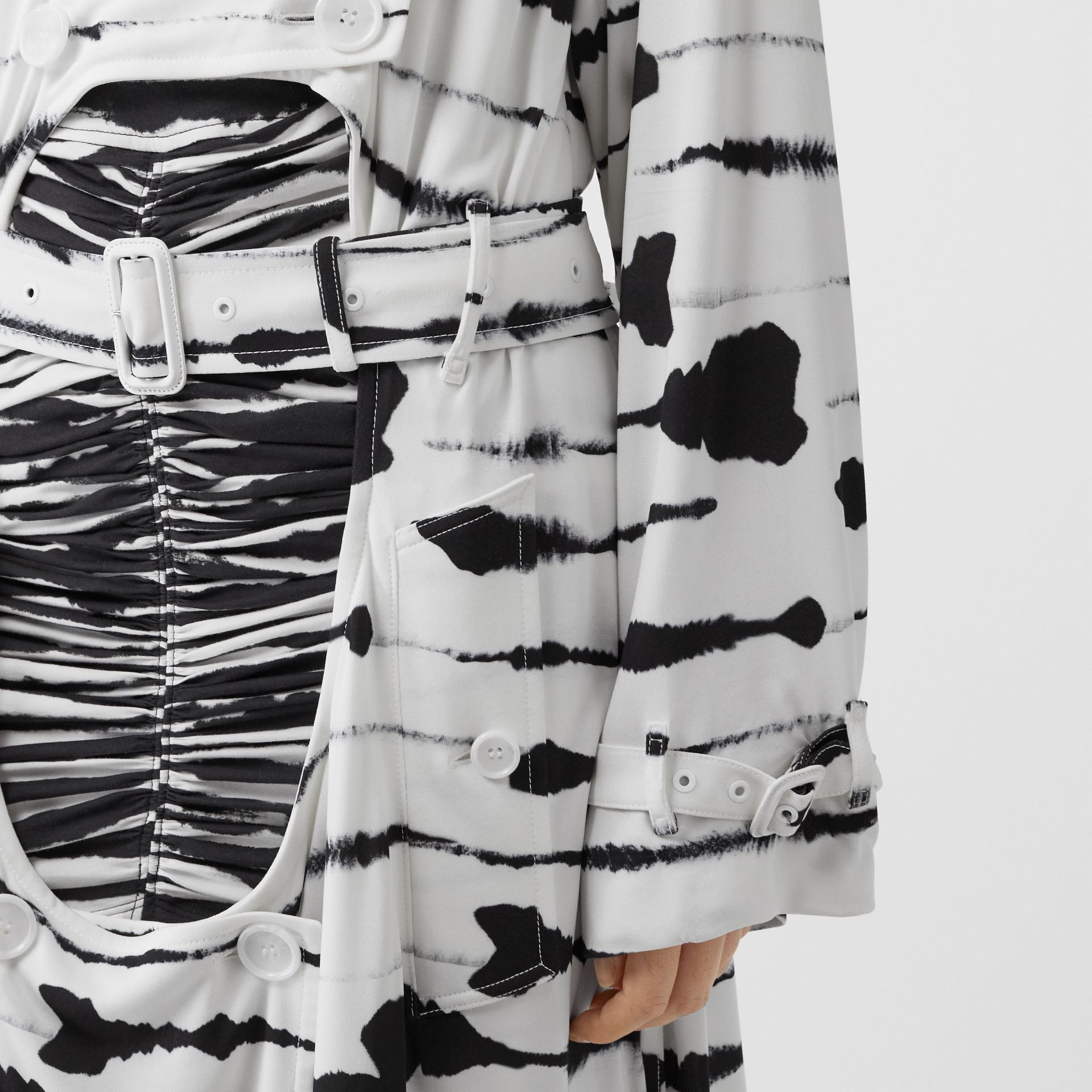 Watercolour Print Jersey Step-through Trench Coat in Monochrome - Women | Burberry - gallery image 4