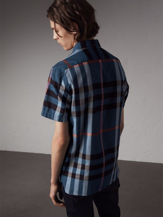 Button-down Collar Short-sleeve Check Cotton Shirt in Ink Blue - Men | Burberry Hong Kong - cell image 2